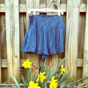 Pants - High waisted cotton and lace shorts size large